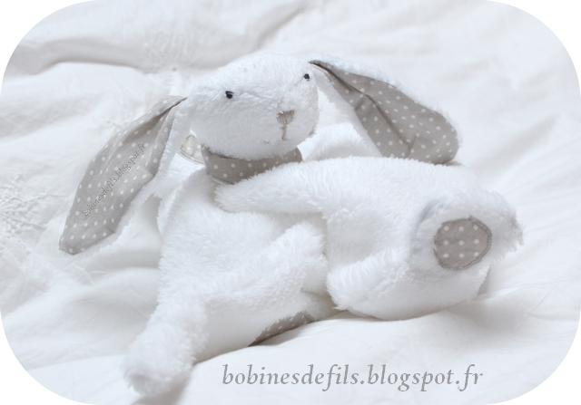 Lapin doudou / bobinesdefils.blogspot.fr