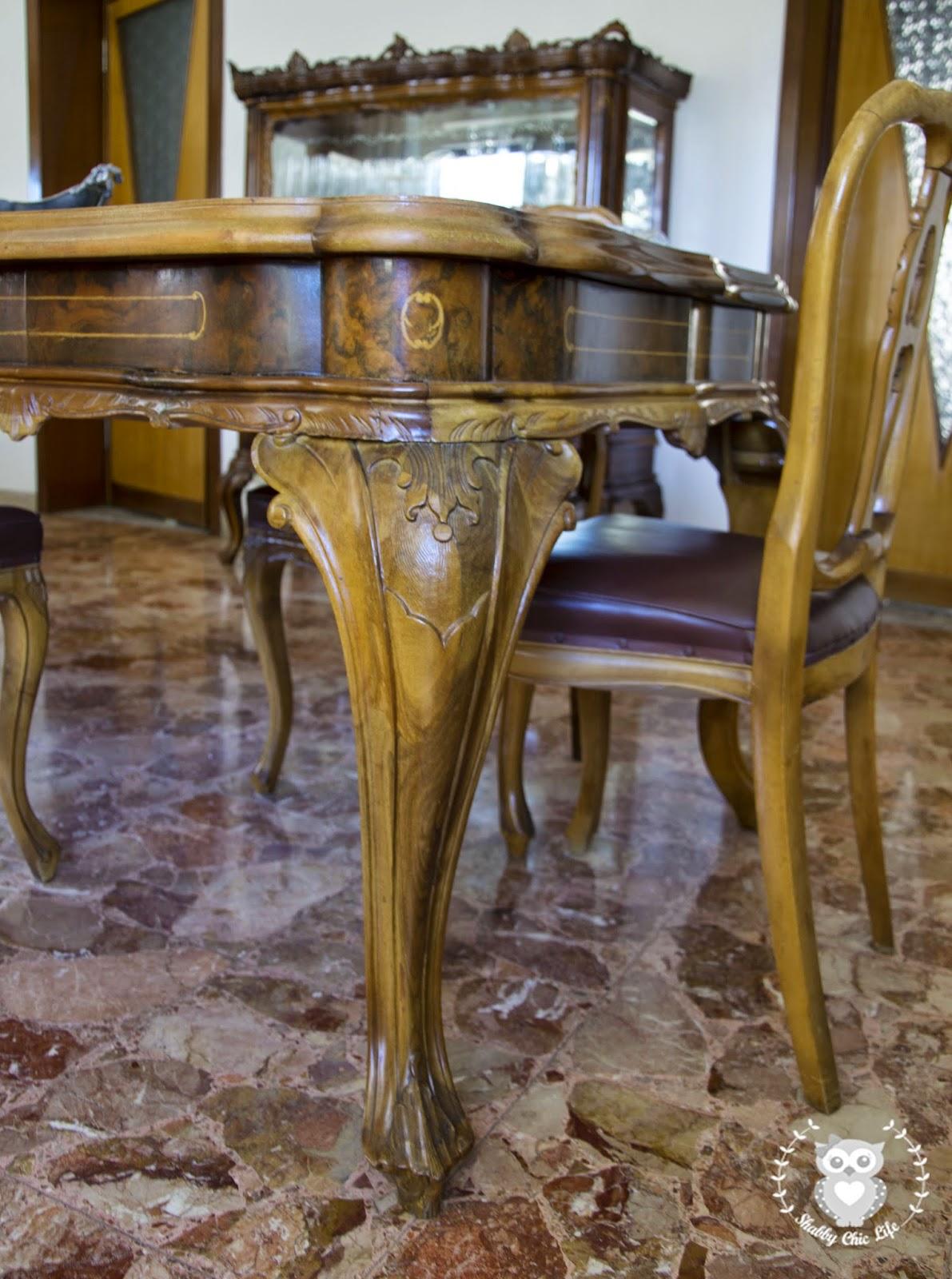 tavolo chippenadale e Shabby Chic brocante antichità