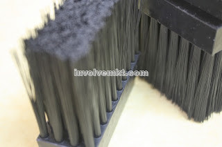 nylon c-track strip brush