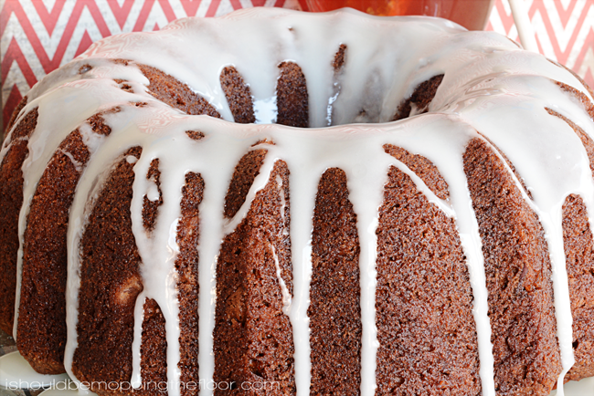 Holiday Honey and Pear Cake | A deliciously moist and tasty cake for breakfast or celebrations!