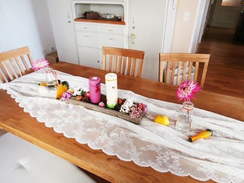 Esszimmer Esstisch Tisch Dekoration Blumen
