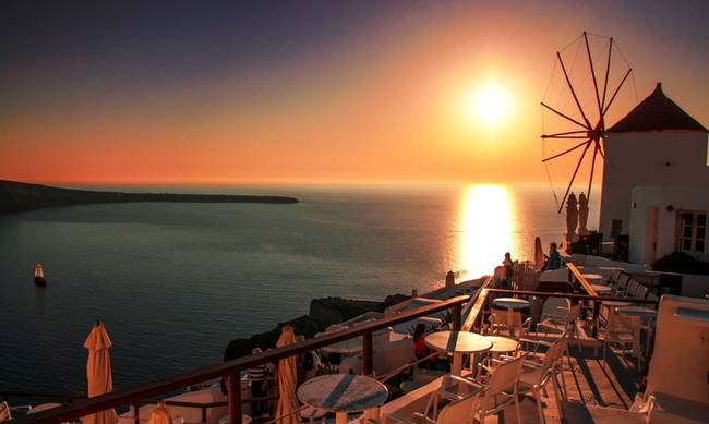 Σαντορίνη: Το καλύτερο ηλιοβασίλεμα του Αιγαίου