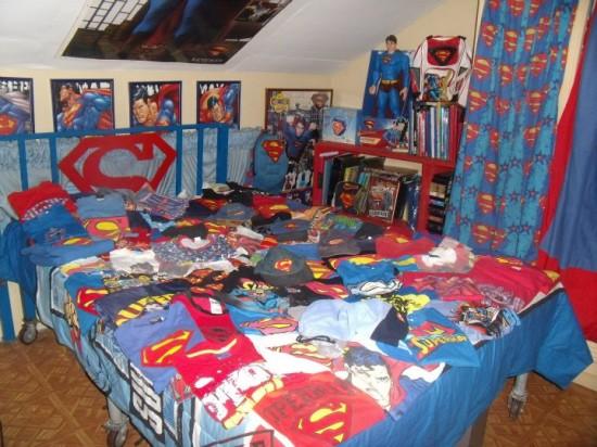 http://1.bp.blogspot.com/-h1loECltfyE/To6-0cq_IPI/AAAAAAAAAT8/rJYv9vNpOyw/s1600/Herbert-Chavez-Superman5-550x412.jpg