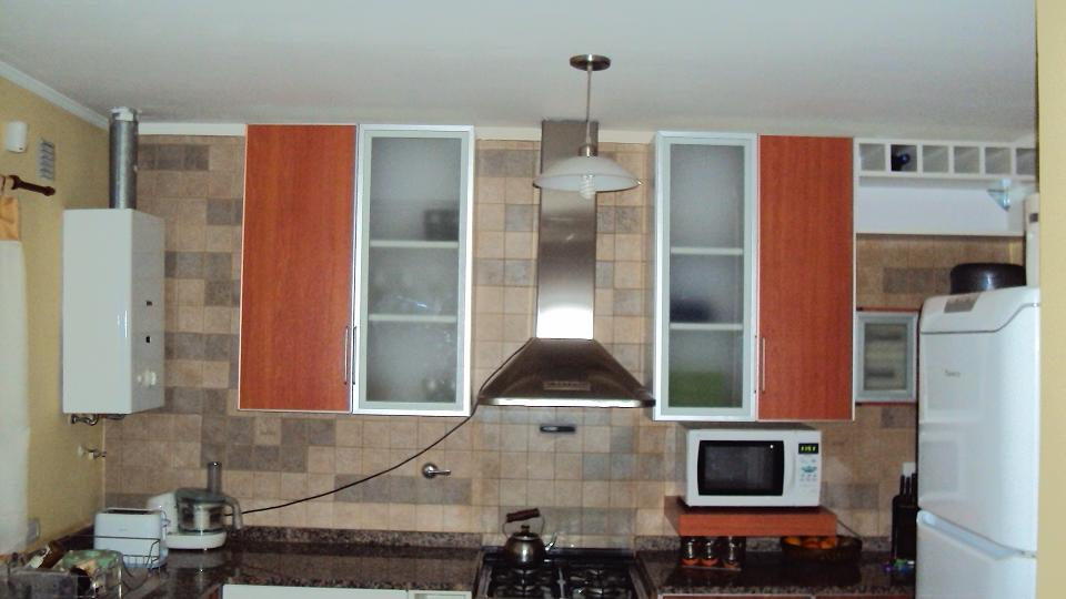 Jose lira muebles en melamina puertas de vidrio con for Muebles de cocina con puertas de cristal