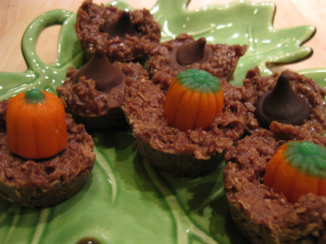 chocolate oatmeal no bake cookies; great Halloween cookies, and a quick and easy chocolate no bake cookie recipe