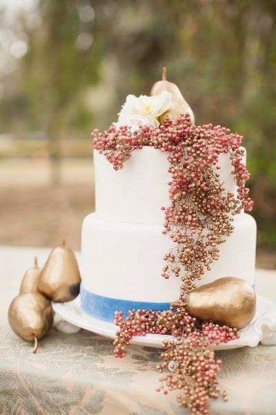 Belle photo inspiration mariage d'automne , gâteau de mariée et pièce montée de mariage aux thème de l'automne , hiver , inspiration pour trouver son gâteau de mariée mariage