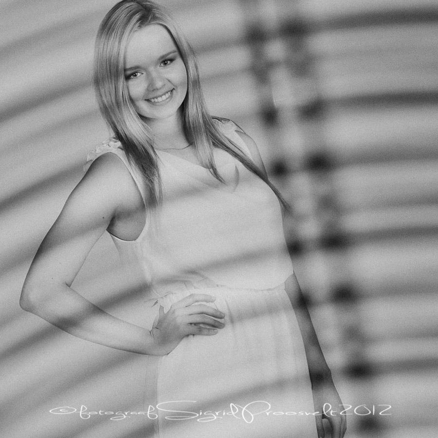 pildistamine-fotostuudios-naine-portreefoto