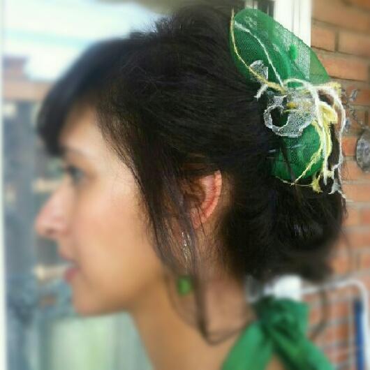 verde, plata, tocado barato, bodas, plumas, avestruz, económico
