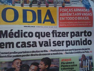 manchete sobre a resolução 266/12 do CREMERJ na primeira página do jornal O Dia