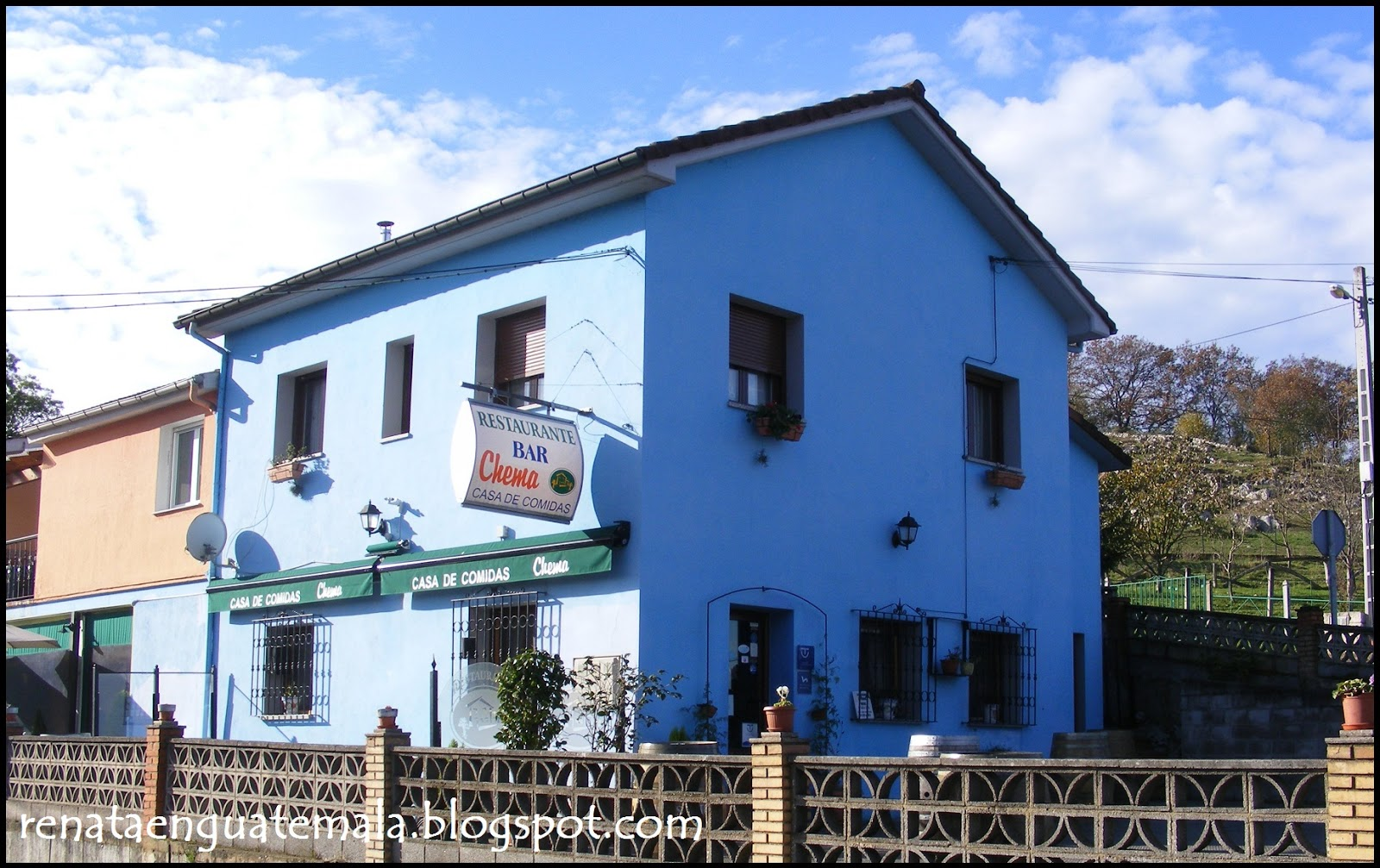 Anduri a casa chema casa de comidas oviedo - Casas de color azul ...