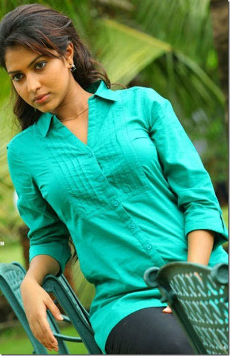 amala paul spicy unseen actress pics