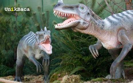 Dinosaurus Sedang Sakit Gigi