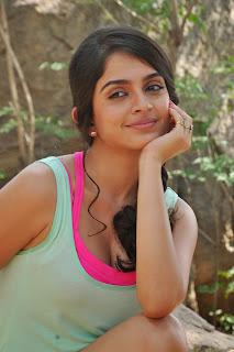 Sheena Shahabadi Latest  Pictures(44).jpg