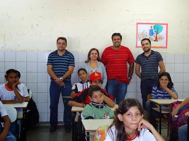 DIRETORA, DIRETOR ADJUNTO, PROF. ANDRSON, COORDENADOR HENRIQUE E ALUNOS