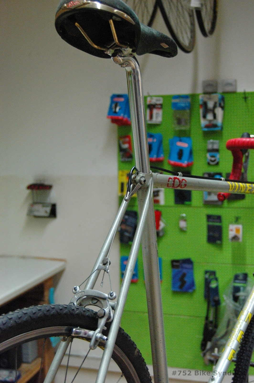 Viner vintage roadbike build, Rolls saddle