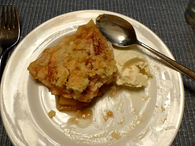 Apple Pie by Nina's Show & Tell