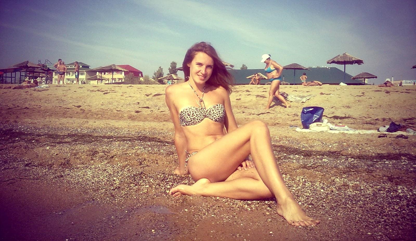 С подружкой на море 8 фотография