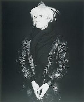O gênio e grande articulador Andy Warhol