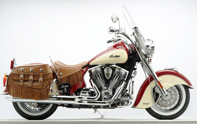 2012_Indian-Chief_Vintage_Indian_Red_Ivory_Cream