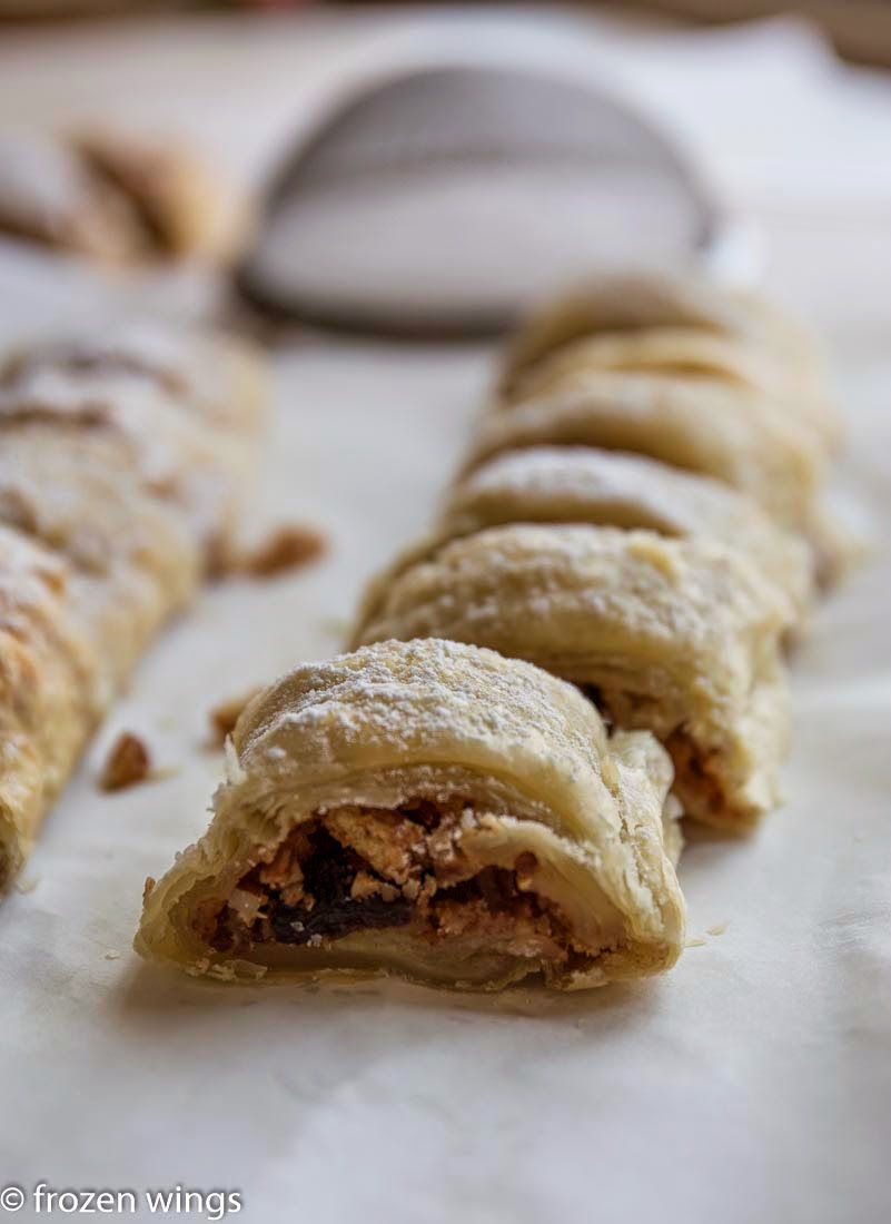 frozen wings: Easy Apple Strudel