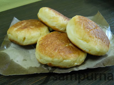 http://weresepmasakan.blogspot.com/2015/10/resep-kue-kamir-enak-dan-manis.html