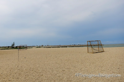 padang bola sepak pantai
