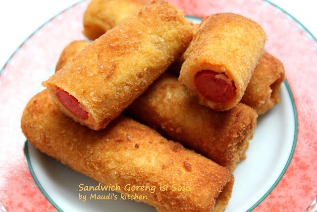 Maudi's kitchen: Sandwich Goreng Isi Sosis