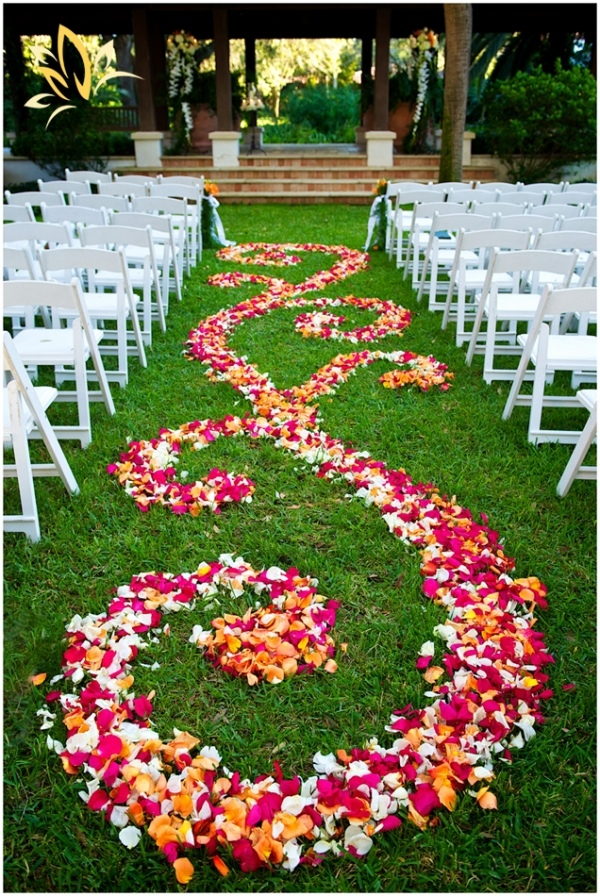 Louisville wedding blog the local louisville ky wedding for Aisle decoration for wedding