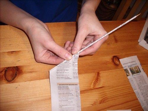 Как сделать газетные трубочки своими руками 62