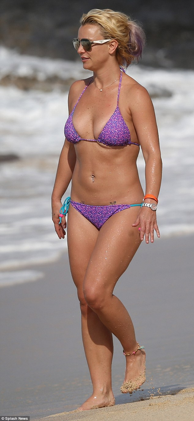 Britney Spears Bikini Pictures and