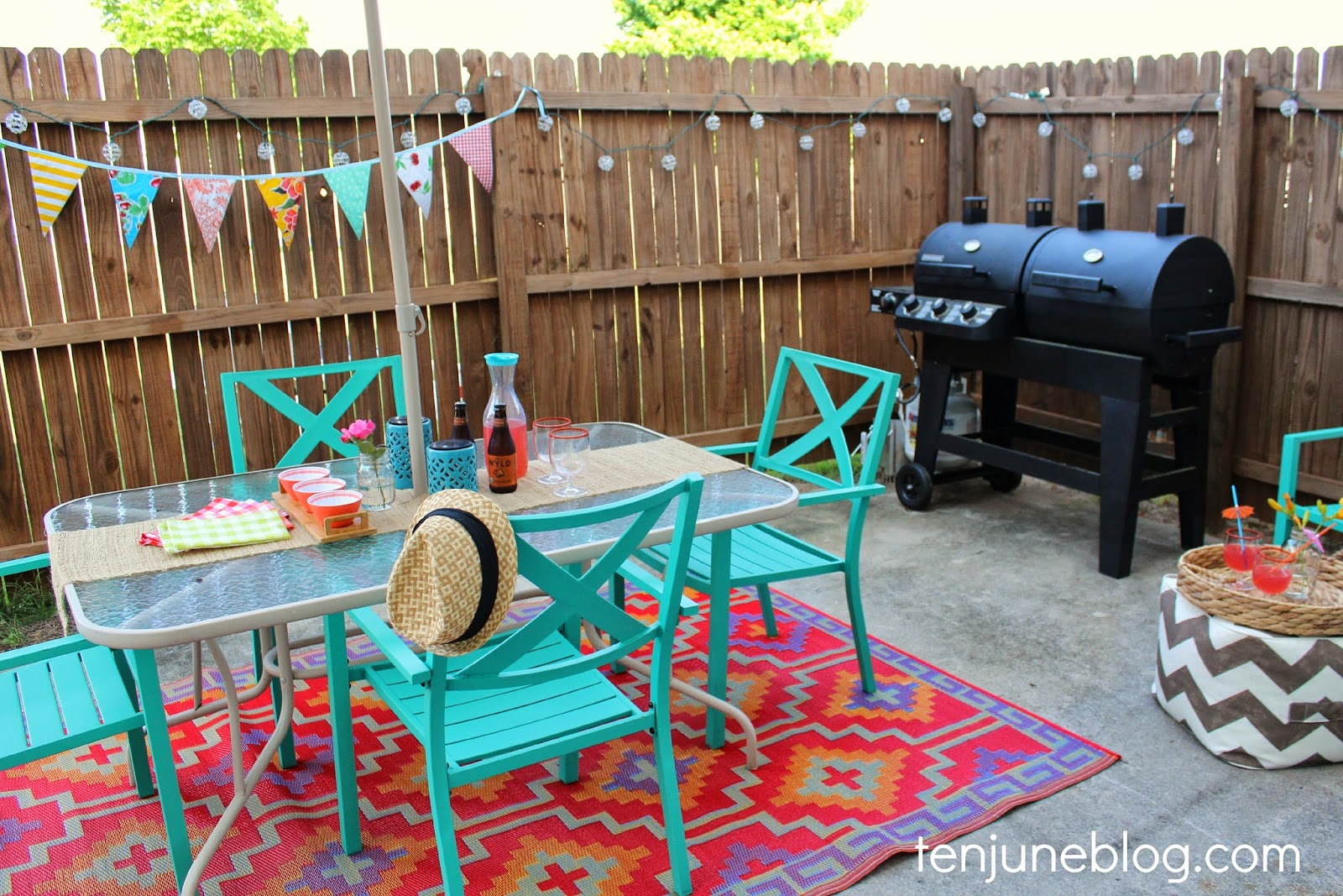 Ten june colorful outdoor patio makeover reveal for Colorful backyard ideas