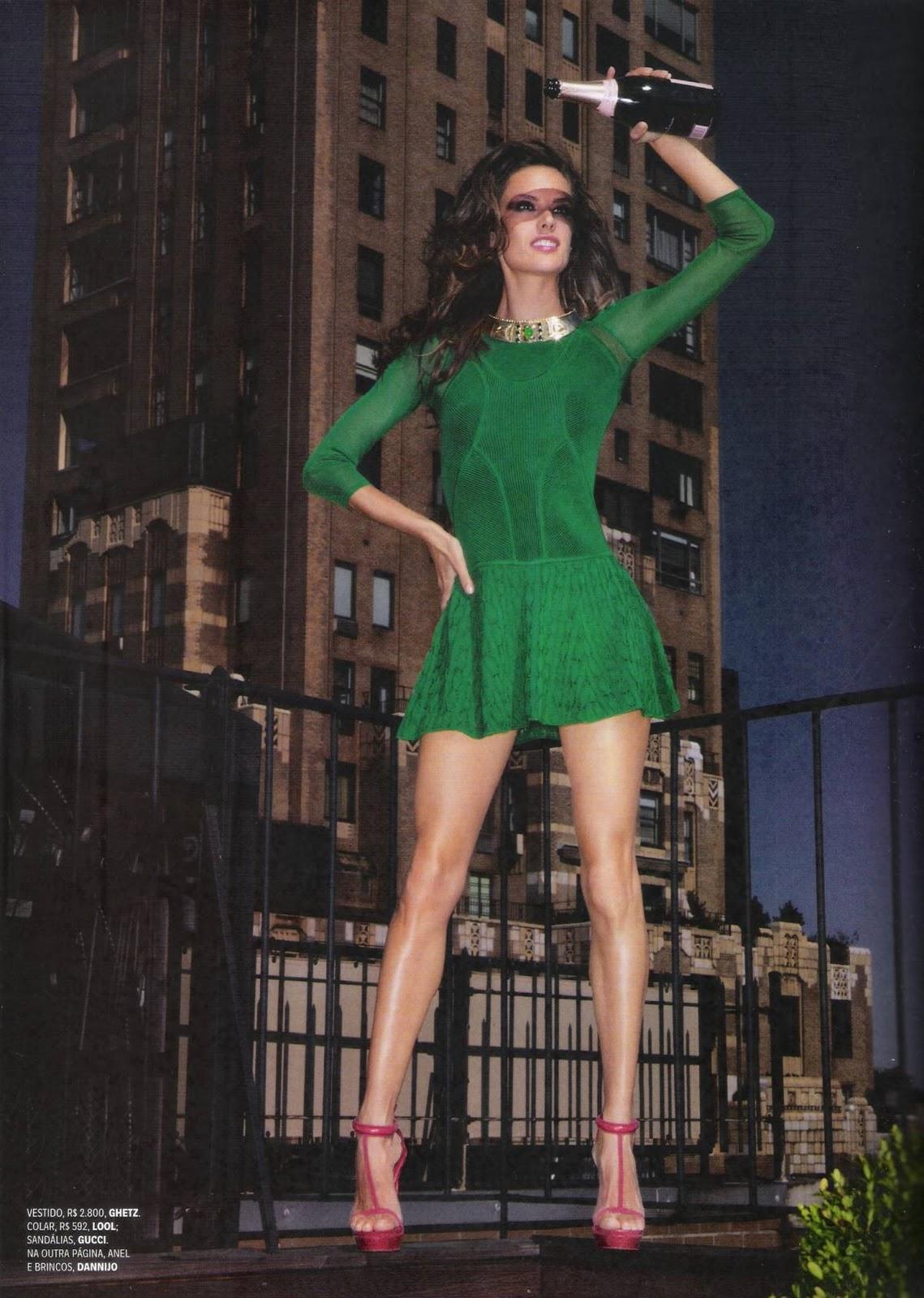 http://1.bp.blogspot.com/-h506MXe66_k/Tv6NCHrPcYI/AAAAAAAAyJA/_HIlU9SfED4/s1600/Vogue_Brasil_Dezembro2011_ph_Michael_Roberts_05.jpg