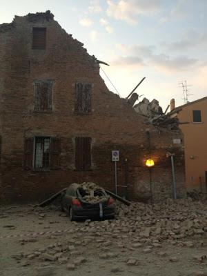 derrumbe por terremoto en italia 20 mayo