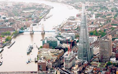 GAMBAR menunjukkan bangunan tertinggi di Eropah iaitu Shard yang terletak di tebing Sungai Thames, London.