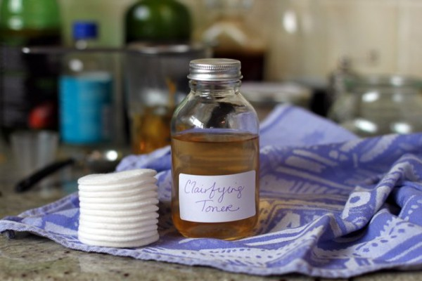 Homemade Antioxidant Toner to Get Rid of Wrinkles, Sunburns, Scars and Firm The Facial Skin