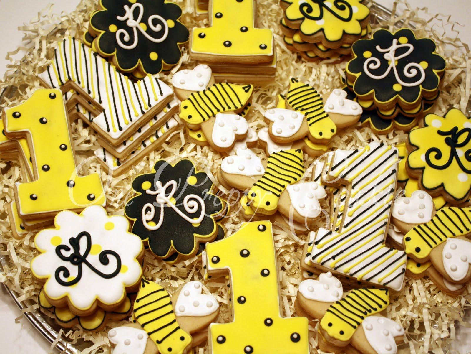 http://1.bp.blogspot.com/-h5VwrWlIMjA/TsuMPuiJwzI/AAAAAAAAAy4/95ESkLWy4-4/s1600/bees.jpg