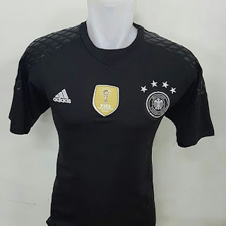 gambar desain terbaru jersey kiper euro 2016 gambar foto photo kamera Jersey kiper Jerman warna hitam Adidas terbaru Euro 2016 di enkosa sport toko online terpercaya lokasi di jakarta pasar tanah abang