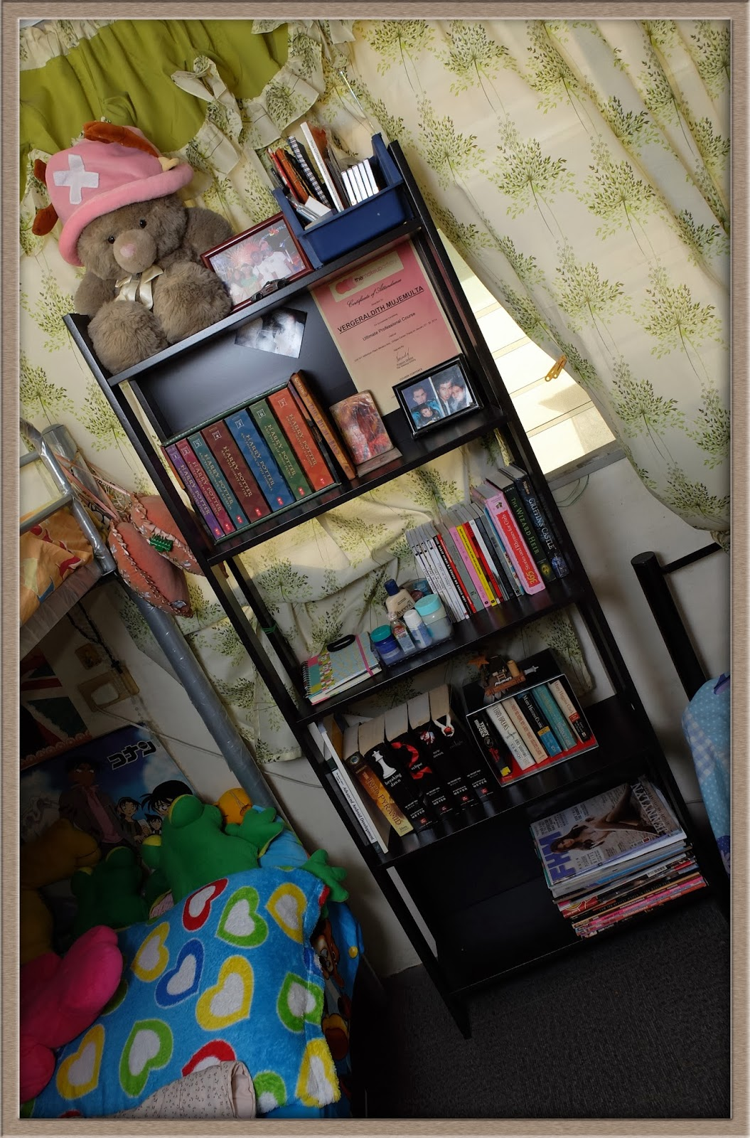 I had the option to have it delivered assembled, but it costs PHP 300, so I  told them to deliver it as is. Jay assembled it for me. - Vergie Blogs: IKEA LAIVA Bookcase, A Home For My Books..