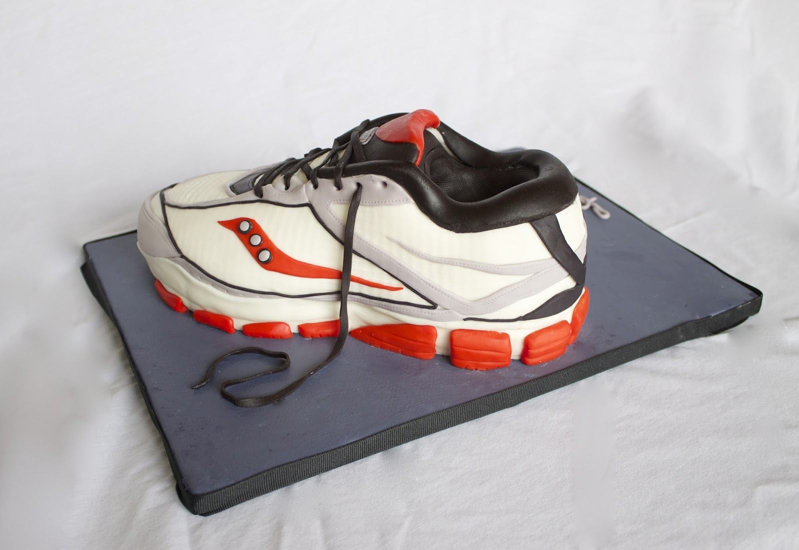 How To Make A Running Shoe Out Of Fondant