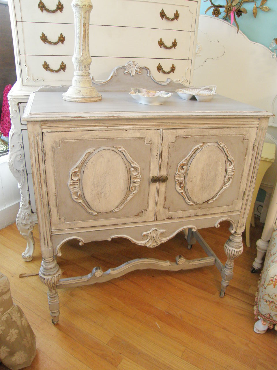 Vintage chic furniture schenectady ny new wonderful for Distressed furniture