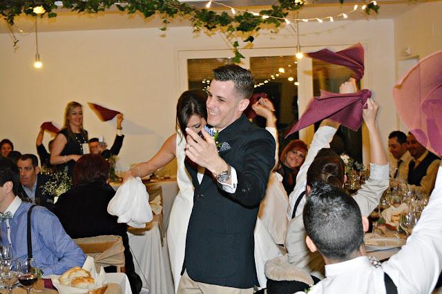 banquete novios boda rural