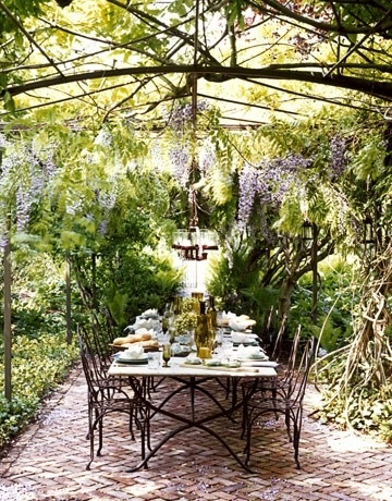 "image via indulgy- collected by linenandlavender.net for ""Alfresco-Outdoor Living"" - http://www.linenandlavender.net/2014/04/inspiration-file-outdoor-living.html"