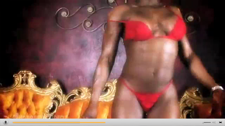 Video Of Female Bodybuilder Victoria Dominguez Posing And Flexing Her Physique