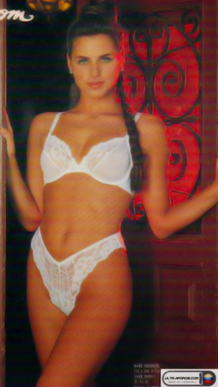 Angela Fuste Nude Photos 22