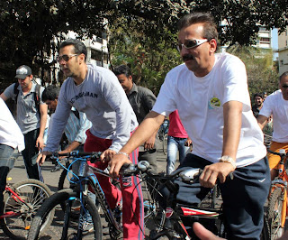 Salman Khan participating in 'Mumbai Car Free Day'