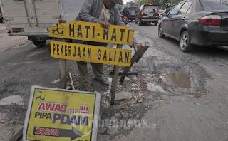 Warga Cileuksa Bersatu Blokir Ruas Jalan Cileuksa-Congeang