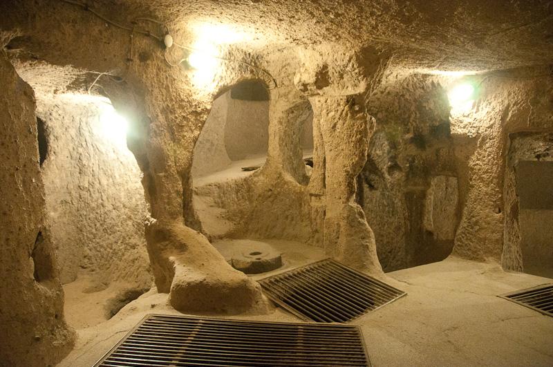 Derinkuyu Underground City ~ Book Travel Turkey