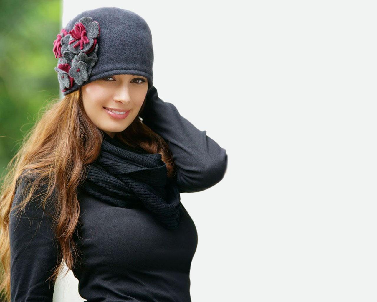 http://1.bp.blogspot.com/-h6i9aCLMN4I/UBjWl3hxALI/AAAAAAAAMnM/lmtmtbf0TZQ/s1600/Evelyn+Sharma+1.jpg