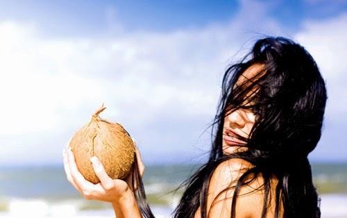 Hướng dẫn ủ tóc hiệu quả bằng dầu dừa nguyên chất