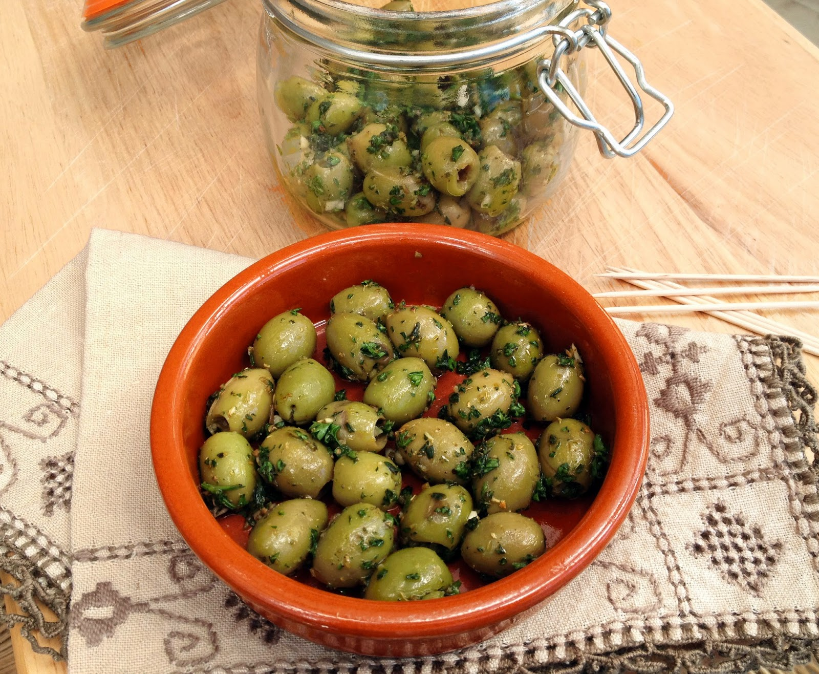 olives with herbs and garlic